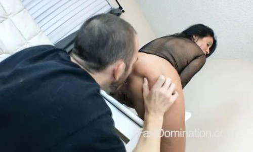 Sheila Marie Farts On Tongue.