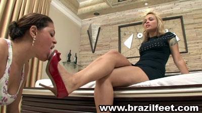 swallow gabrielas feet brazil feet