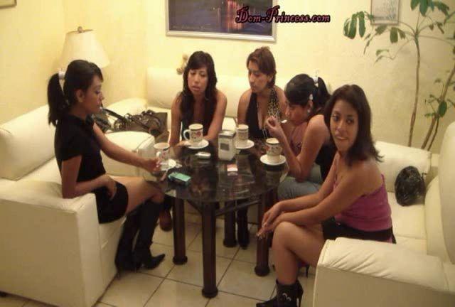 Dom-princess - Scat-princess - Princesses Household Toilet Slave Part 1 Feet Sd Scat-princess Dom-princess