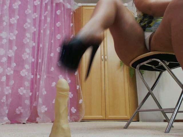Bigbootymilf Feet Job With Nude Feet N 8 Inches Heels