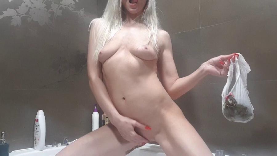 seductive bulge in panties hd the fart babes